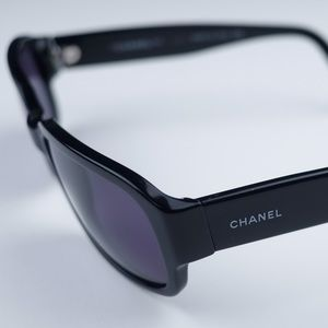 CHANEL Sunglasses from the 90's with case
